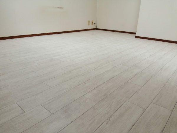 『北京堂鍼灸松江』施術室の床をDIYリフォーム